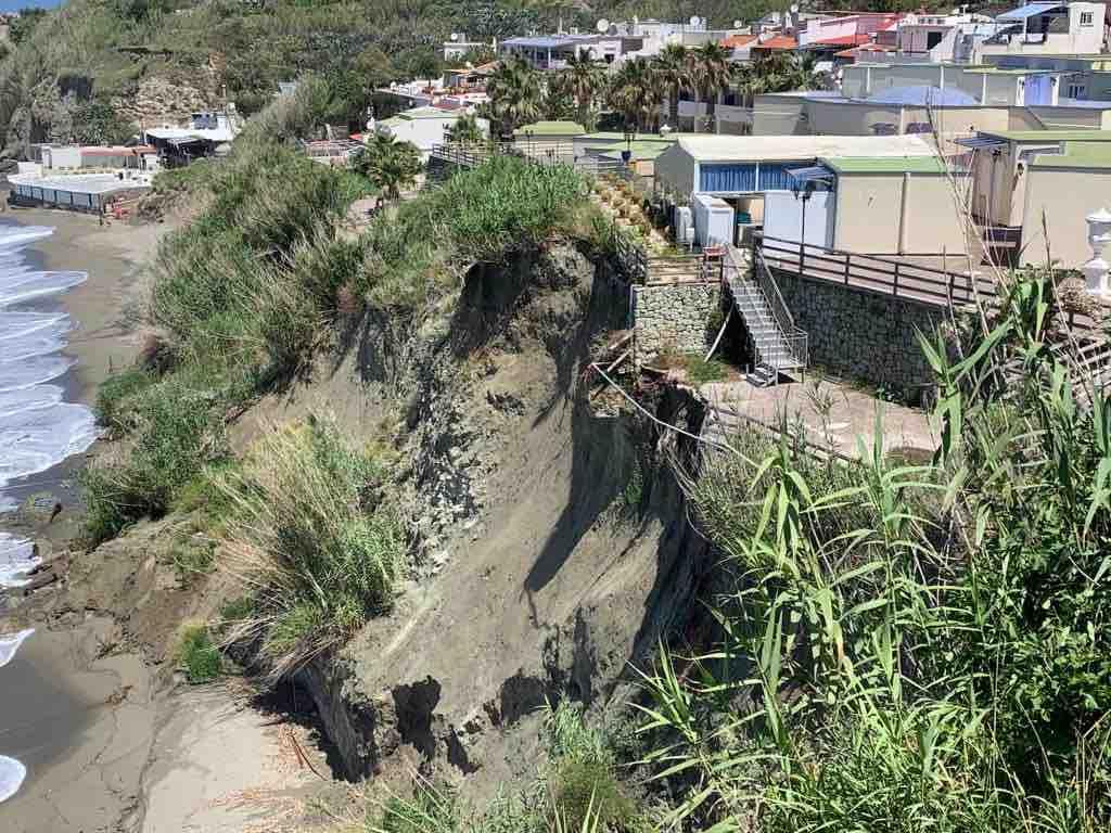 ischia crollo cava dell'isola