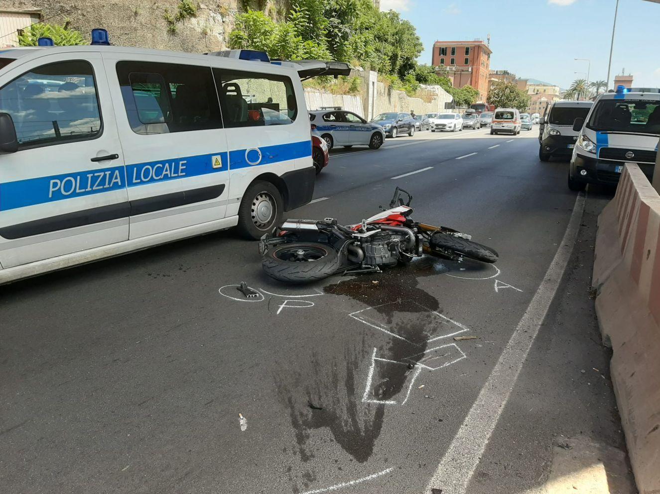 Genova incidente via Siffredi