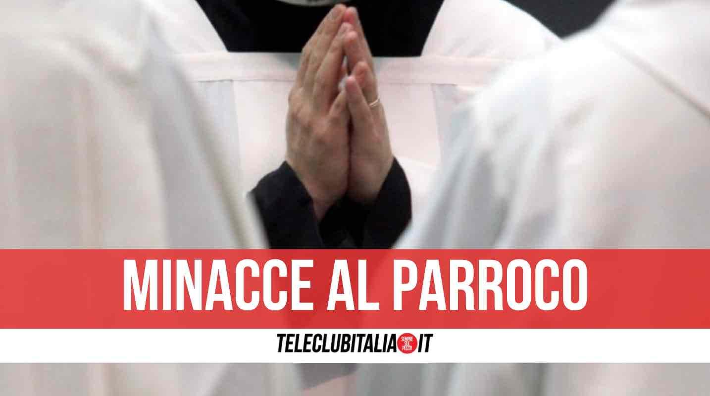 minacce sacerdote