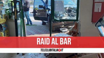 Aversa, assalto armato al bar: caccia ai responsabili
