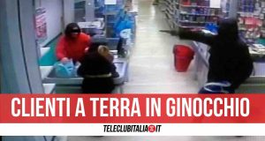rapina supermercato napoli
