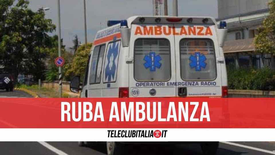 ruba ambulanza napoli