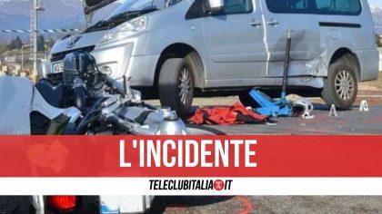 Licola, scontro tra furgone e scooter sulla Domiziana: ferito un 17enne