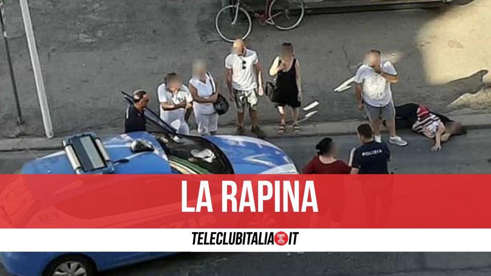 rapinata napoli corso umberto smartphone due arresti