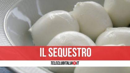 Napoli, controlli nelle pescherie, supermercati e ristoranti: sequestrati 15 kg di mozzarella e 20 kg di baccalà