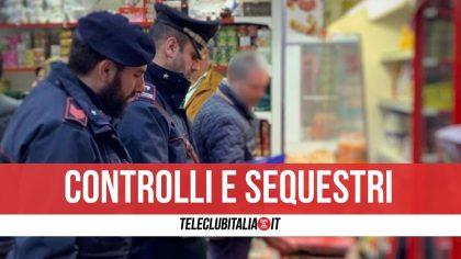 Napoli, blitz in un negozio: sequestrati alimenti illegali. Nei guai titolare
