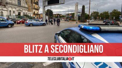 Napoli, sorpresi a scaricare sigarette di contrabbando: due arresti